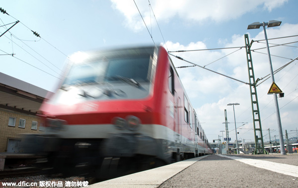 German rail giant mulls buying trains from China