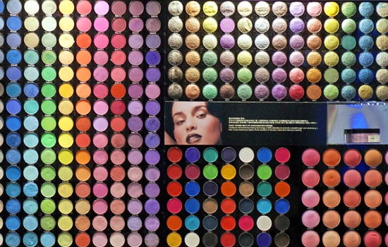 L'Oreal gives makeup a makeover in China|Companies|chinadaily.com.cn