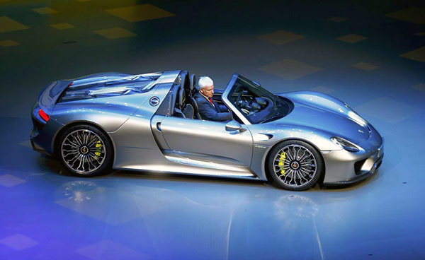 Auto Guangzhou Witnesses New Porsche Sports Cars Asia Premiere