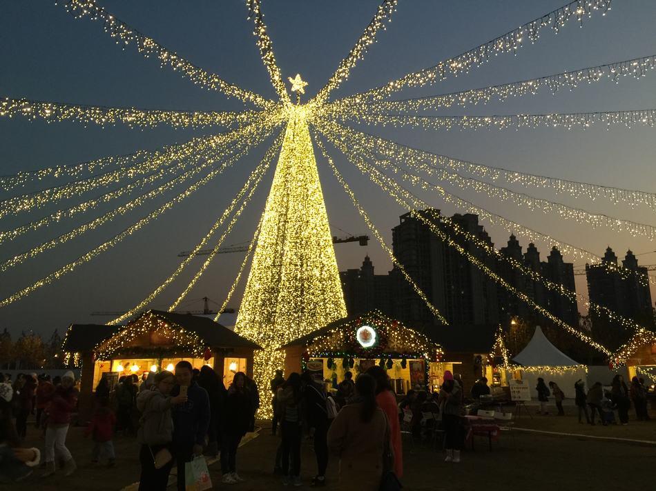 A peek into China's biggest Christmas market[1]| Photos
