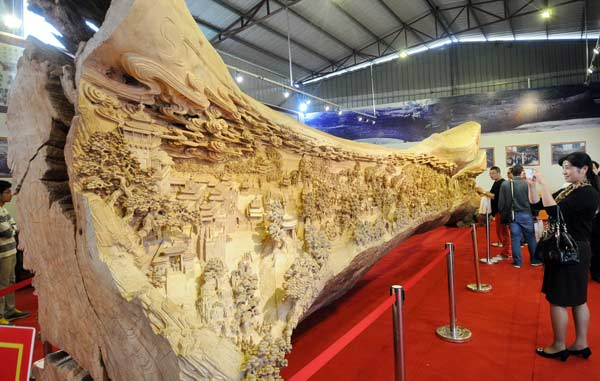 Longest Wood Carving Breaks Guinness Record Art Chinadaily