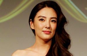 Nackt Xu Qing  Laura Ramsey